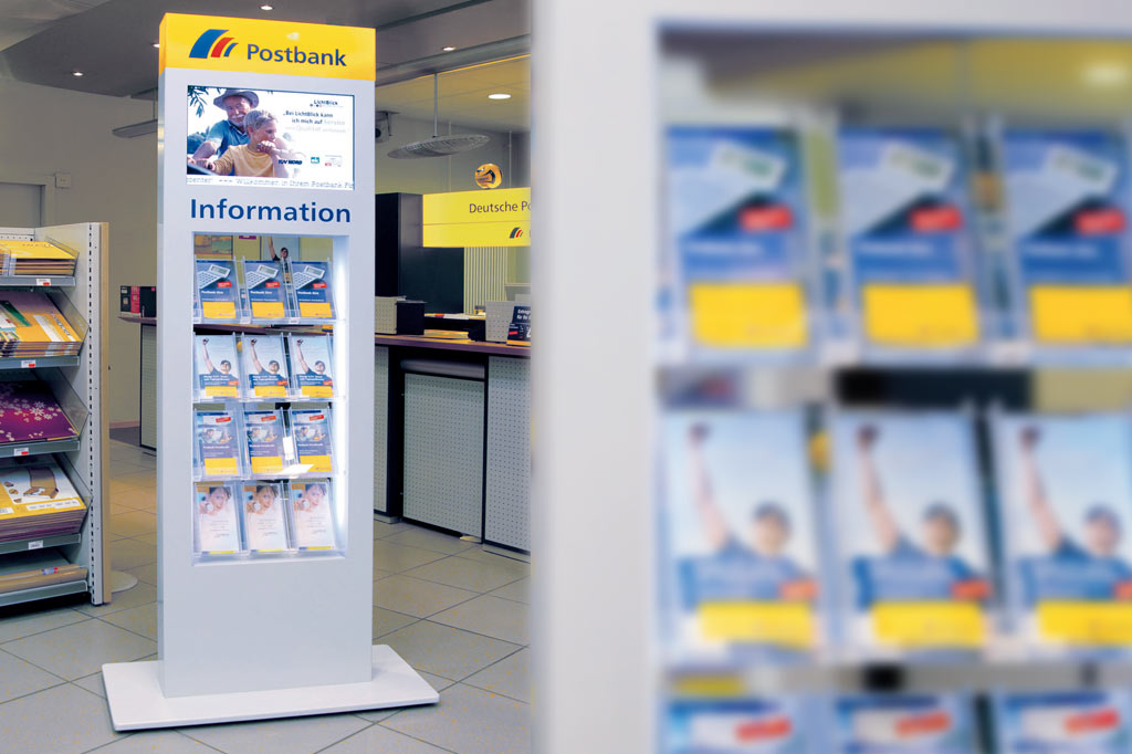 E.g. with brochure chute and 24 inch screen (Postbank)